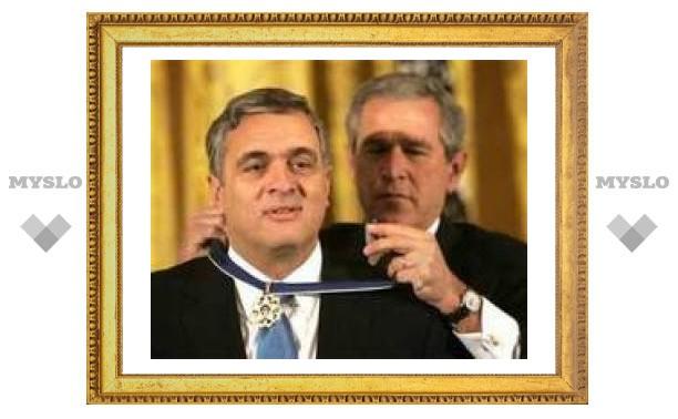 Бывший глава ЦРУ обвинил Буша в некомпетентности