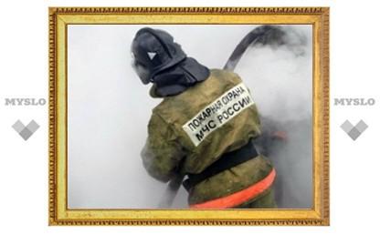 В Туле сгорел автосервис