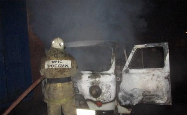 Ночью в Донском сгорел УАЗ