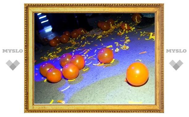 Orange-party в клубе «Априори» раскрасила город в апельсиновый цвет