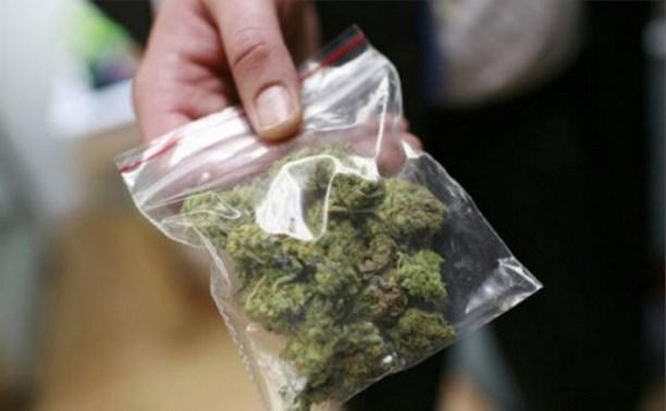 Полицейские ДПС задержали водителя с похожим на наркотики веществом