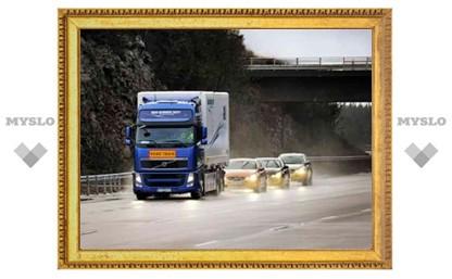 Автомобили Volvo научились ездить колонной на автопилоте