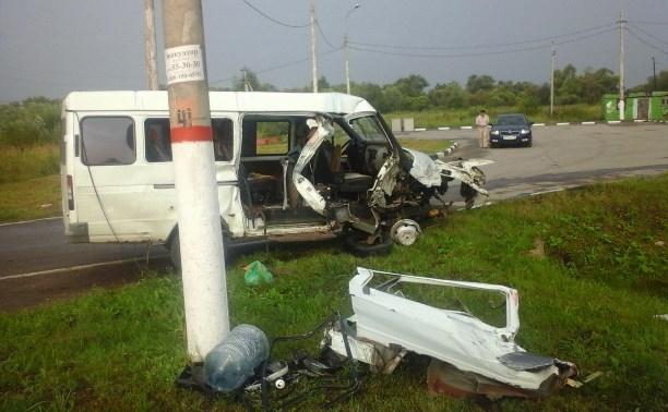 В аварии с «Газелью» и тягачом пострадали две женщины