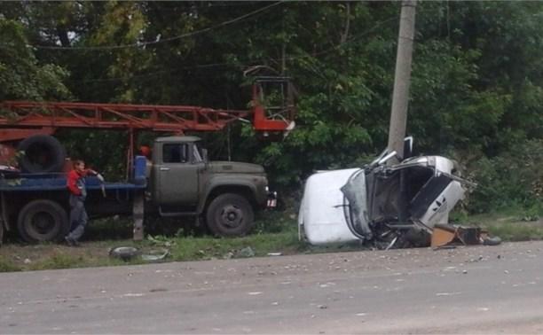В аварии в Новомосковске погибли два человека