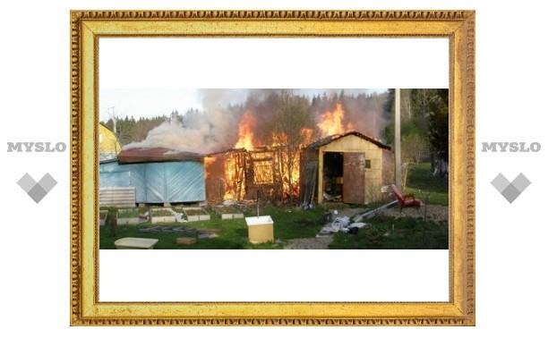 В Донском горят сараи