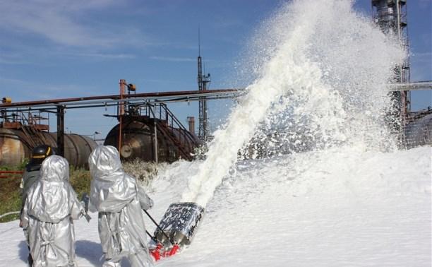 Тульские спасатели «потушили» пожар на химзаводе