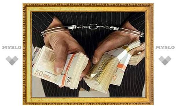 Новомосковские следователи продолжают бороться с коррупцией