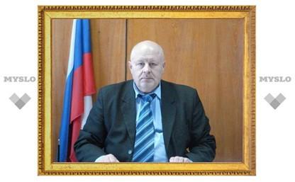 Глава администрации района совмещал свою должность с бизнесом