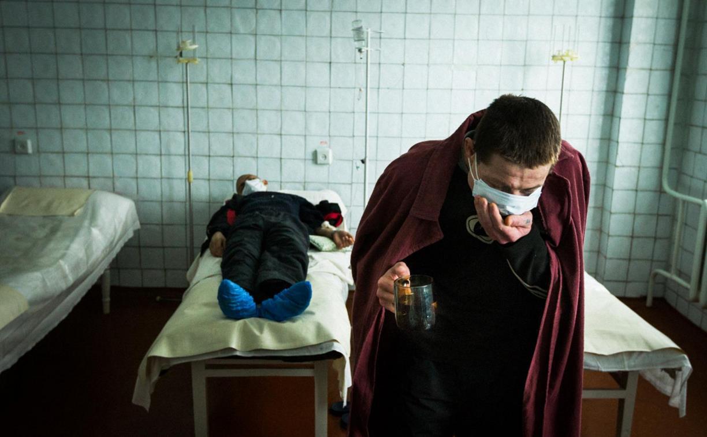 Судебные приставы принудительно отправили туляка лечиться от туберкулеза