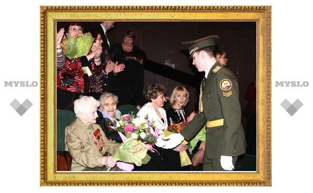 Женщинам Тулы подарили медали и Сосо Павлиашвили