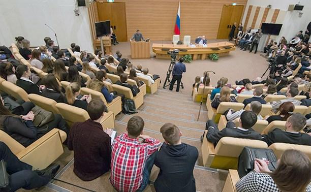 Депутаты Госдумы прослушали лекцию о Льве Толстом