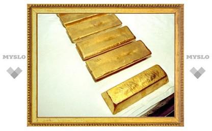 Инвесторы обошли ювелиров по спросу на золото