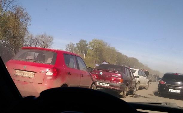 На Новомосковском шоссе столкнулись 11 автомобилей