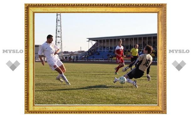 "Футболисты ""Арсенала"" забили третий мяч в ворота хозяев"