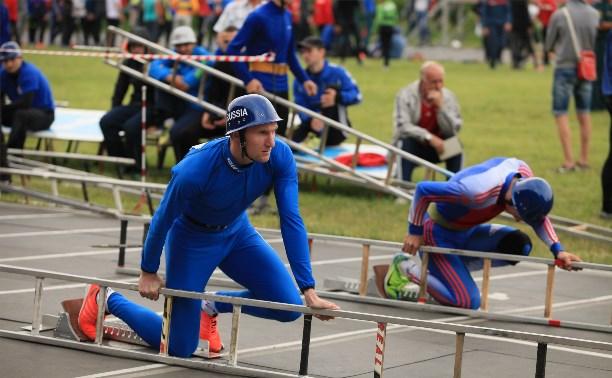 В Туле открылись соревнования МЧС по пожарно-прикладному спорту