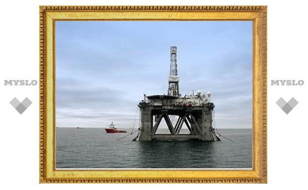Российских нефтяников заставят страховать риски при работе на шельфе