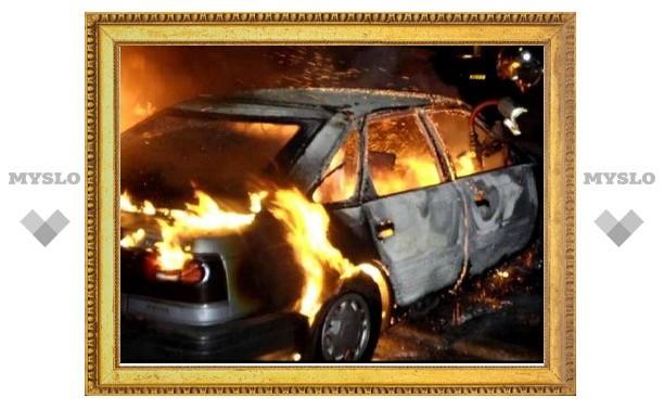 Под Тулой сгорела иномарка