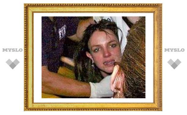 Бритни Спирс покинула больницу в состоянии психоза