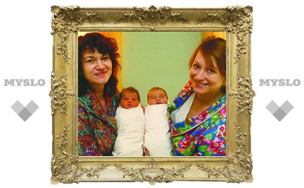 Саша и Ксюша родились в Новогоднюю ночь