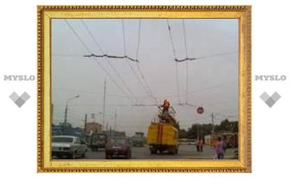 В Туле на пр. Ленина встали троллейбусы