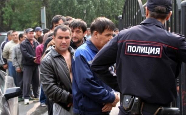 На стройке в Заречье незаконно работали 30 нелегалов