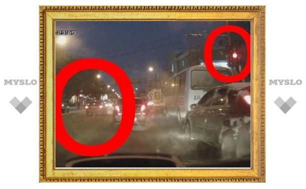 В Туле автомобиль нарушил сразу несколько пунктов ПДД