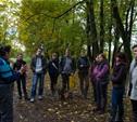 Волонтеры посадили в Ясной Поляне молодые дубки