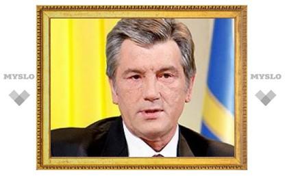 Медведев критикует Ющенко за вмешательство в дела Церкви