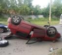 Водитель «Пежо», перевернувшегося на ул. Сурикова, скрылся с места ДТП