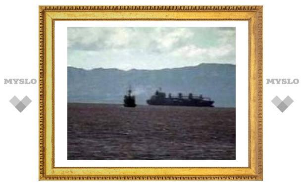 С терпящего бедствие у побережья Японии судна спасены российские моряки