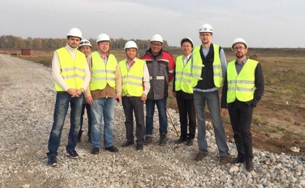 Олег Липатов оценил ход строительства китайского автозавода в «Узловой»