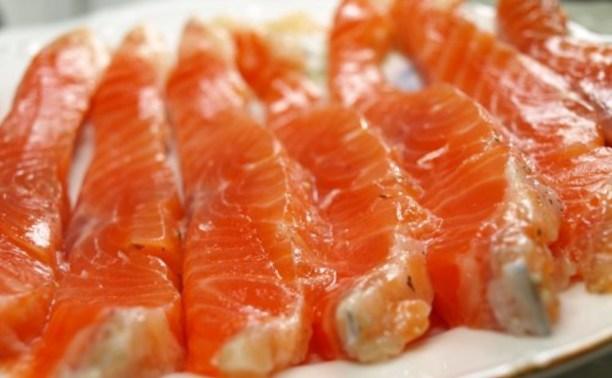 Цена на охлаждёный лосось выросла вдвое