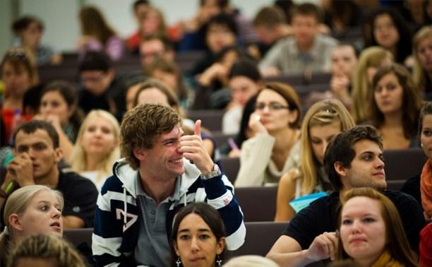 Владимир Груздев поздравил тульских студентов с праздником
