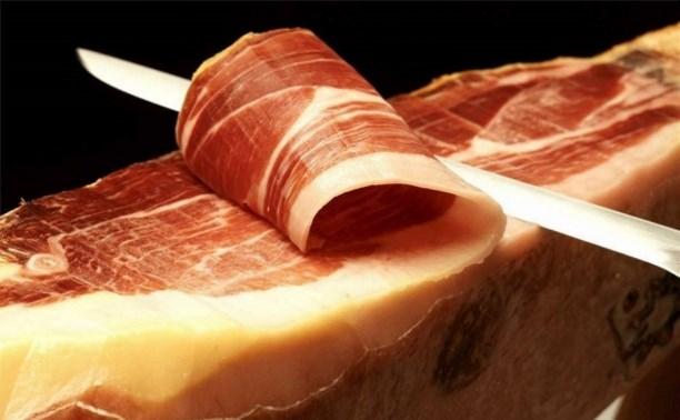 Чиновников, поедающих санкционные продукты, могут привлечь к уголовной ответственности