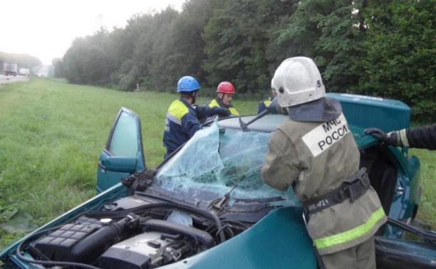 Ночью в Туле столкнулись три автомобиля