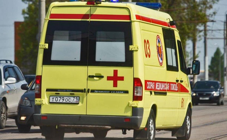 В Липках с балкона на пятом этаже выпала женщина