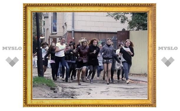 В Туле прошел «Забег на каблуках»
