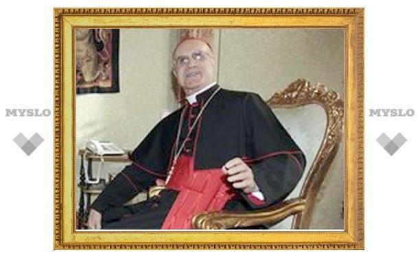 Ватиканский госсекретарь кардинал Бертоне отметил 77-летие