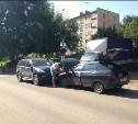 На улице Льва Толстого произошло лобовое столкновение двух автомобилей