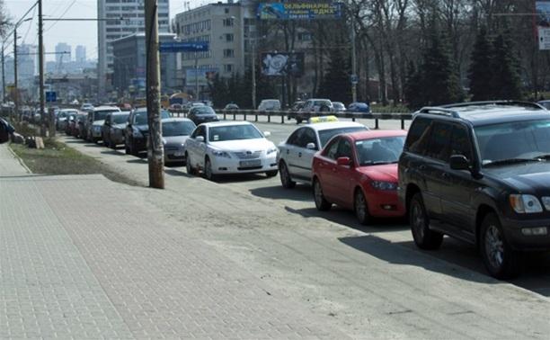 С вечера 13 октября будет запрещено парковать авто по маршруту следования эстафеты олимпийского огня
