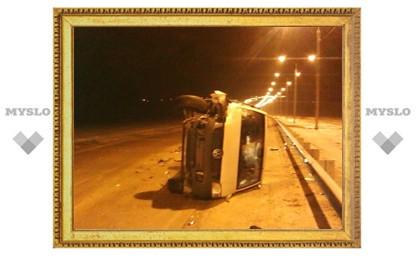 Микроавтобус перевернулся после столкновения с самосвалом