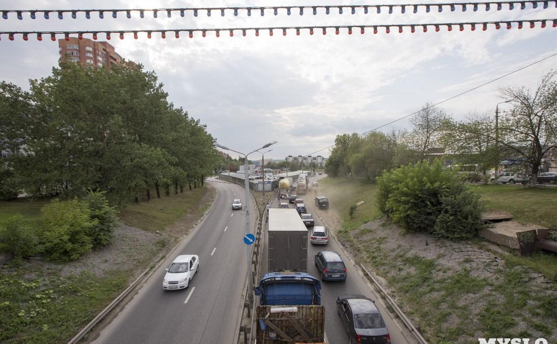 Центр Тулы замер в пробке из-за ДТП на улице Рязанской