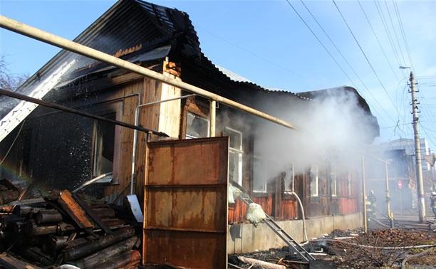 В Туле пожарные спасли человека из горящего дома
