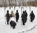 Вандалы ломают фигуры богатырей в новомосковском парке