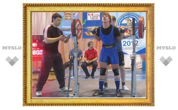 Тульский силач Илья Бородкин установил рекорд России