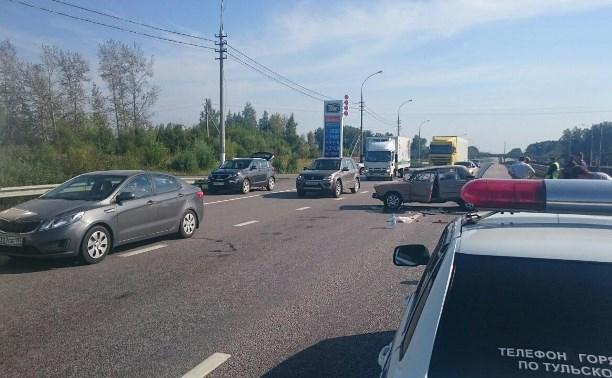 Пассажир отечественной «шестерки» пострадал в аварии с фурой