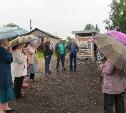 В деревне Медвенка появился остановочный павильон