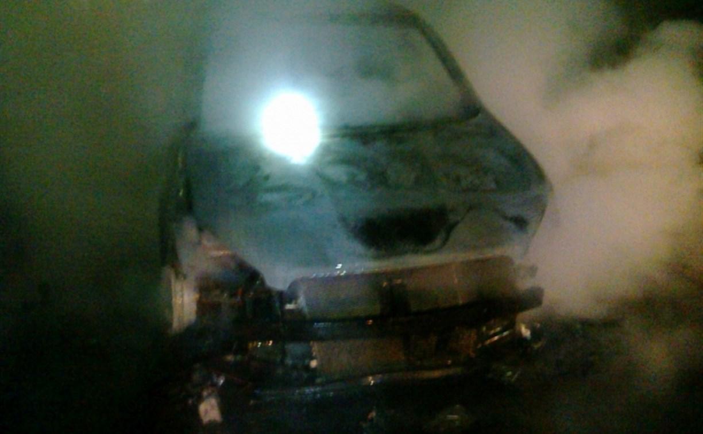 В Туле ночью сгорели два автомобиля