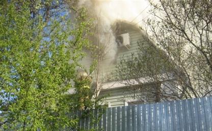 При пожаре в Новомедвенском поселке пострадал человек