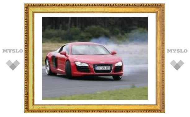 Audi R8 - спортивный автомобиль 2007 года